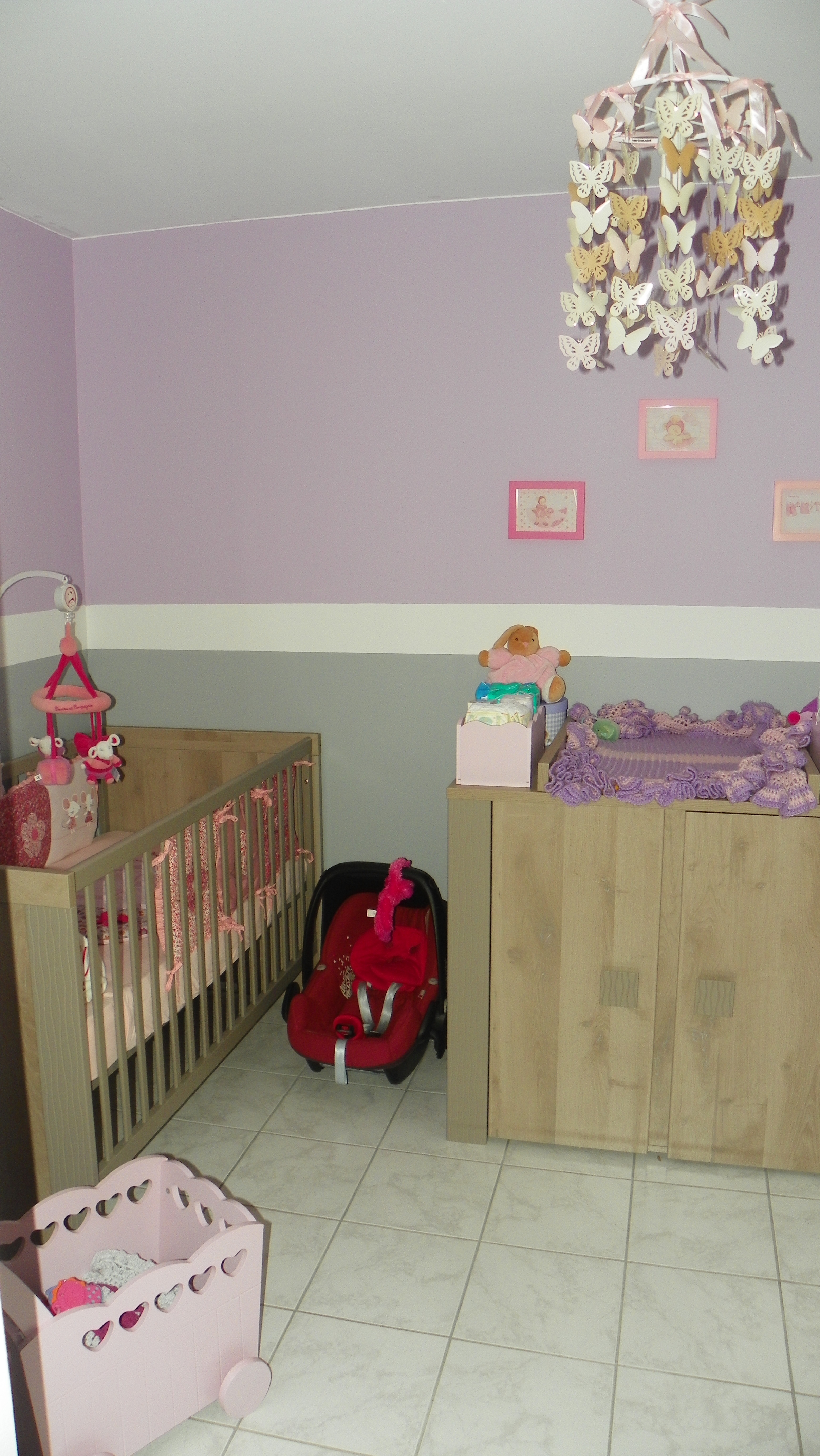 la chambre de Maëlya parme gris et touches de rose - Chambre de bébé ...